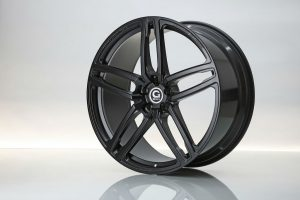 23_HURRICANE_RR_Jet_Black_schmiederad_forged_wheel_01