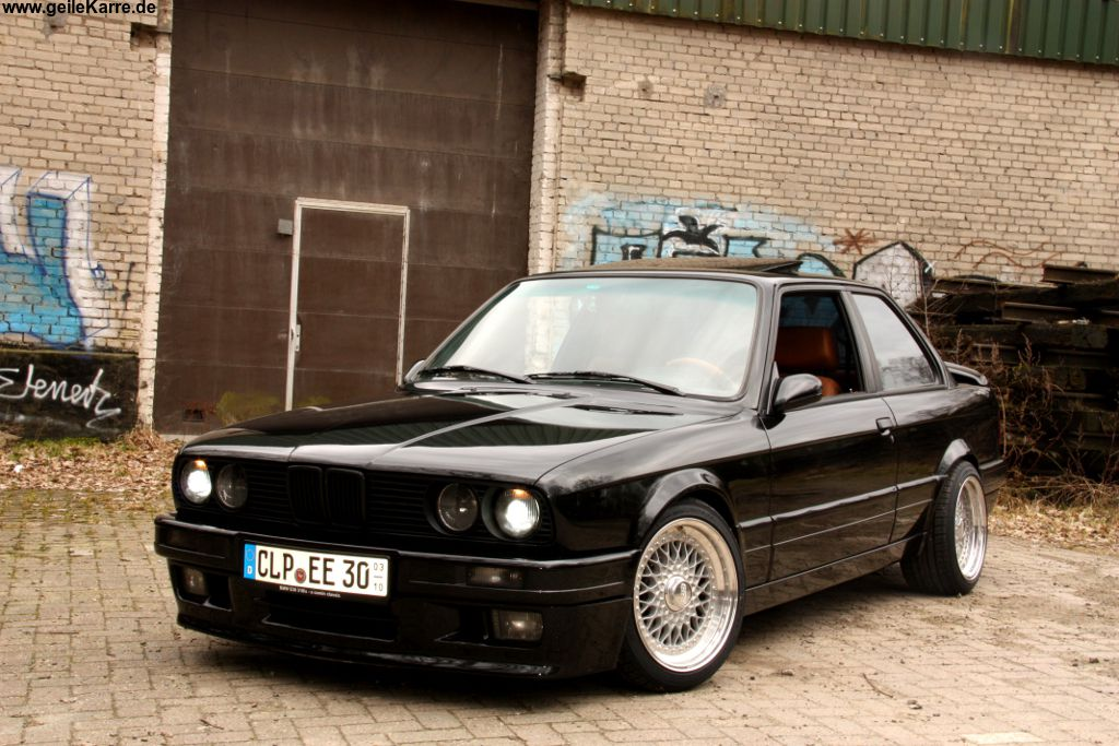 bmw e30 318is von bamowe tuning community. Black Bedroom Furniture Sets. Home Design Ideas