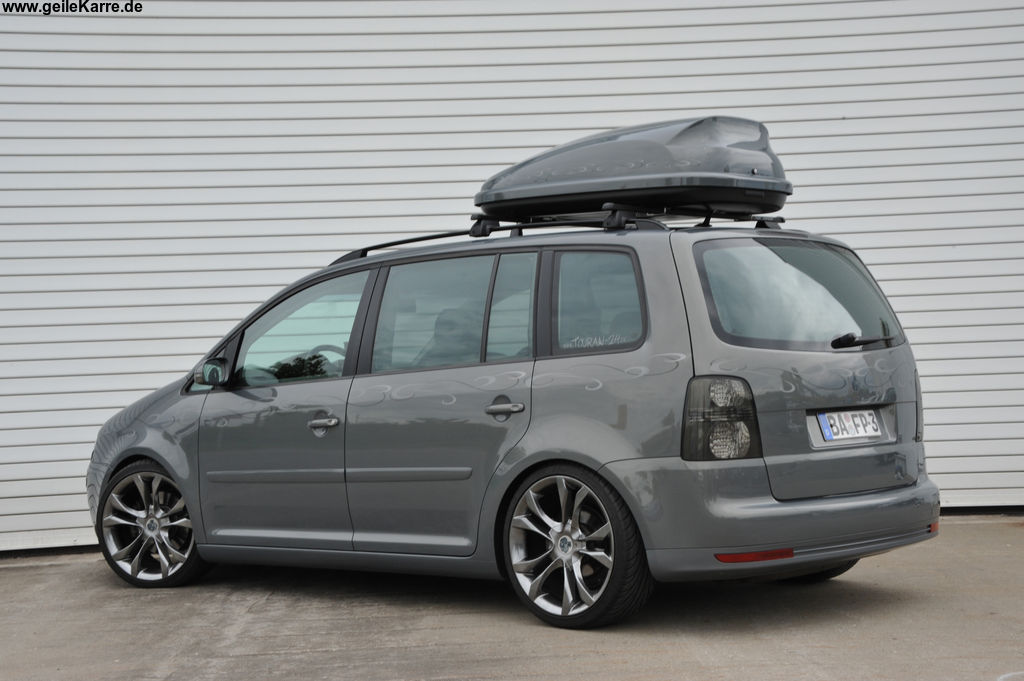 tuning vw touran blau collection 12 wallpapers. Black Bedroom Furniture Sets. Home Design Ideas